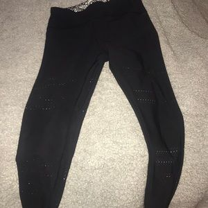 GO WITH THE FLOW LEGGINGS IN BLACK/Track & Bliss
